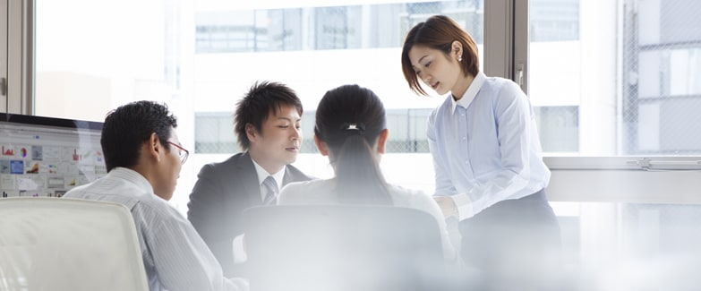 50-50-team-meeting-japan.jpg